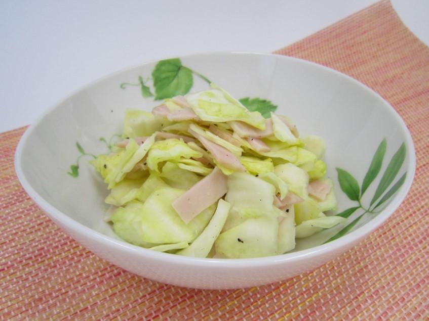 キャベツとハムの簡単サラダ
